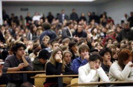 جامعة قفصة:يوم حول البحث العلمي ودورات إشهاد في الإعلام...