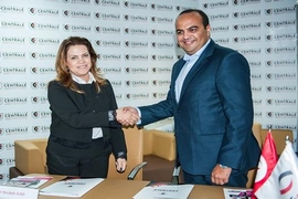 Microcred et le Groupe Université Centrale signent un a...
