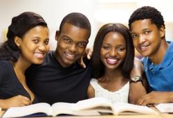 Avec la hausse des frais universitaires, les étudiants ...
