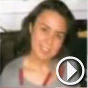Une étudiante à la faculté des lettres de Sfax portée d...